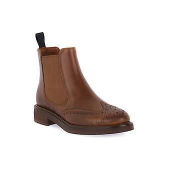 Frau avatar leather shoes