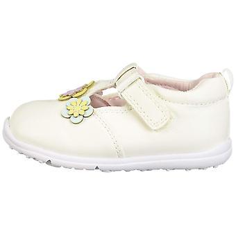 Carter's Bambini ogni passo bella baby girl's Walking T-Strap Sneaker