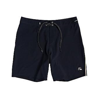 Quiksilver Highline Piped 18 Shorts de comprimento médio em preto