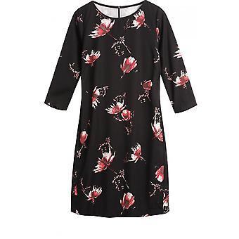 Sendvičové oblečení květinové shift šaty
