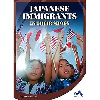 Japanese Immigrants: In Their Shoes (Immigrant Experiences)