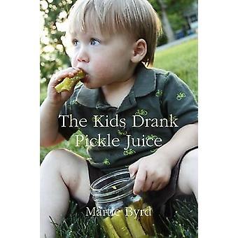 De kinderen dronk augurk sap door Byrd & Martie