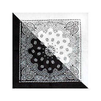 黒と白のツートン カラーのバンダナ