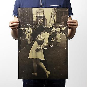 Victory Kiss Vintage Kraft Paper Classic Juliste Kotiin / Koulutoimiston sisustus
