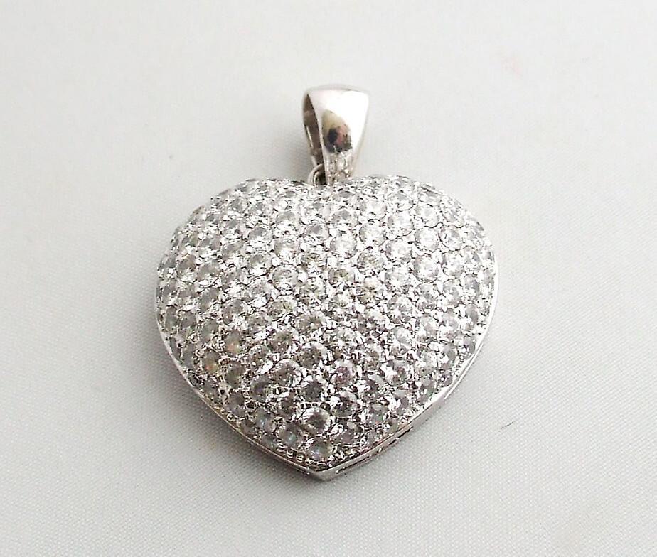 Wit gouden harten hanger met zirkonia