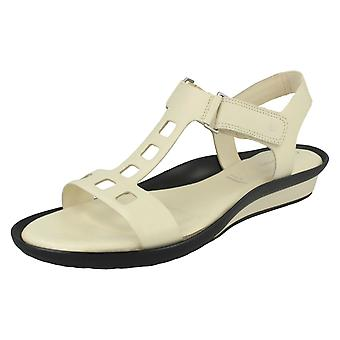 Ladies Rockport Cut Out Sandals K61107