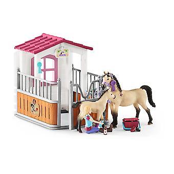 Schleich Horse Club Horse Stall avec chevaux arabes et jouet de marié (42369)