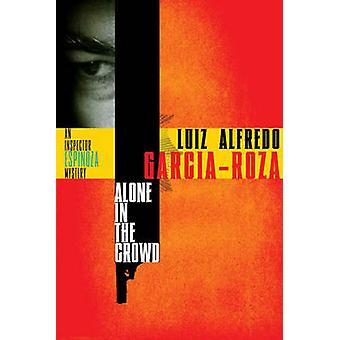 Yksin Crowd by GarciaRoza & Luiz Alfredo