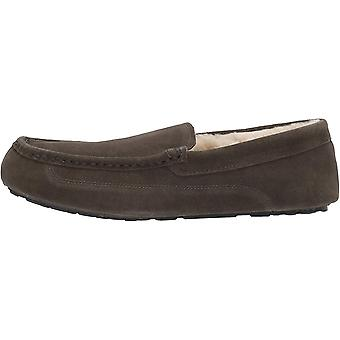 Amazon Essentials mannen ' s lederen Moccasin slipper, houtskool, 9 M ons