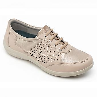 هابط السيدات القيثارة الجلود اضافية واسعة (2e/3e) أحذية عارية