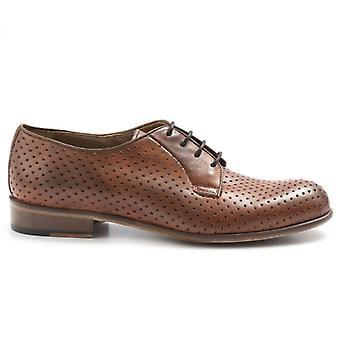 Sapato de renda feminino sangiorgio em couro perfurado marrom
