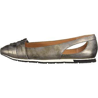 Gentle Souls Women's Luca Straps Flat Slip on Sneaker