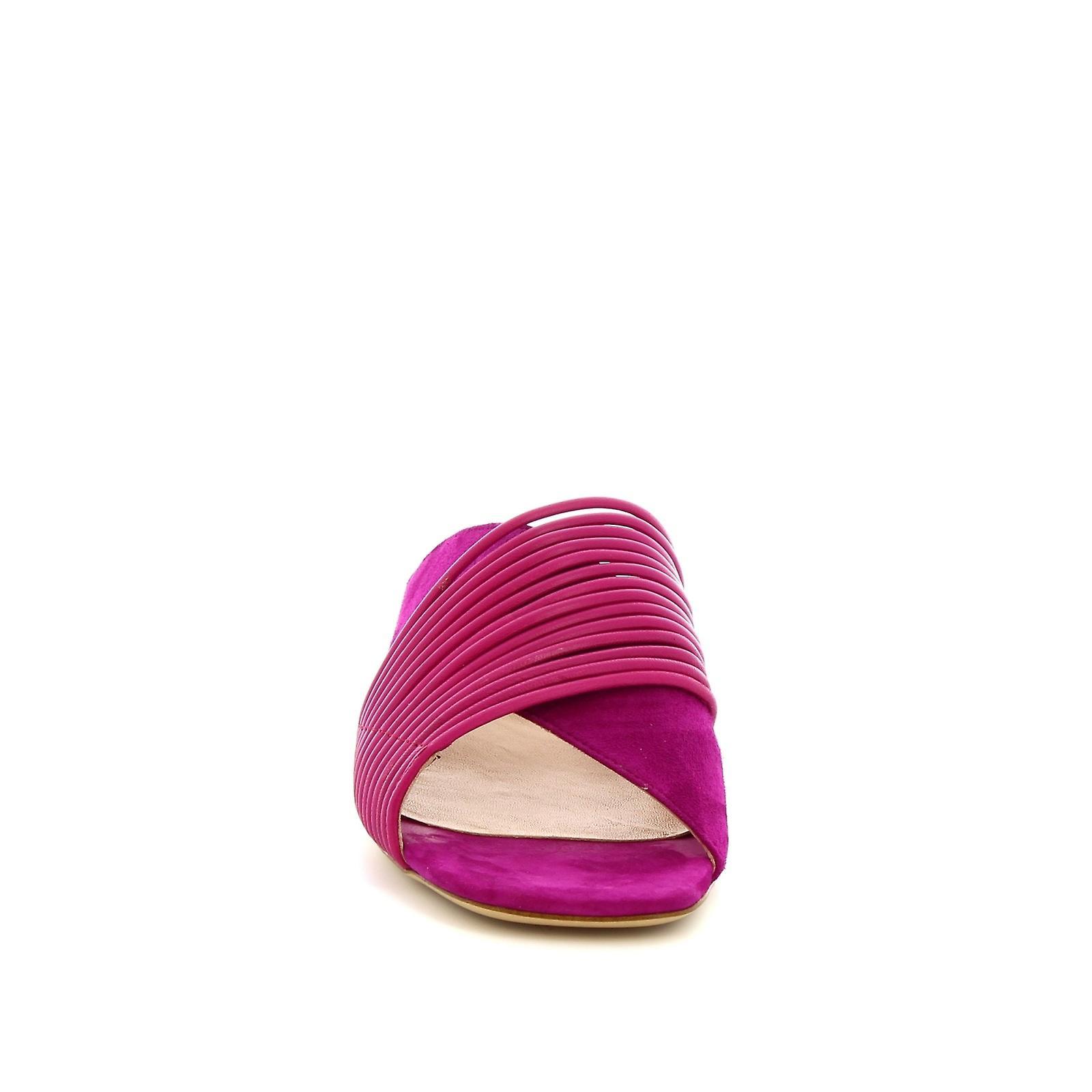 Leonardo Shoes Women's handmade low heel sandals slippers in fuchsia suede