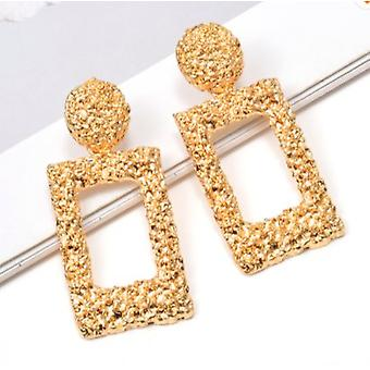 Earring in gold with rectangle