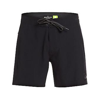 Quiksilver Highline Kaimana 16 Short Boardshorts in Black