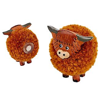Highland Cow Pom Pom Fridge Magnet (en)