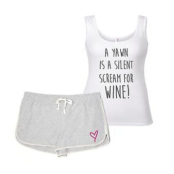Uno sbadiglio è un urlo silenzioso per vino pigiama