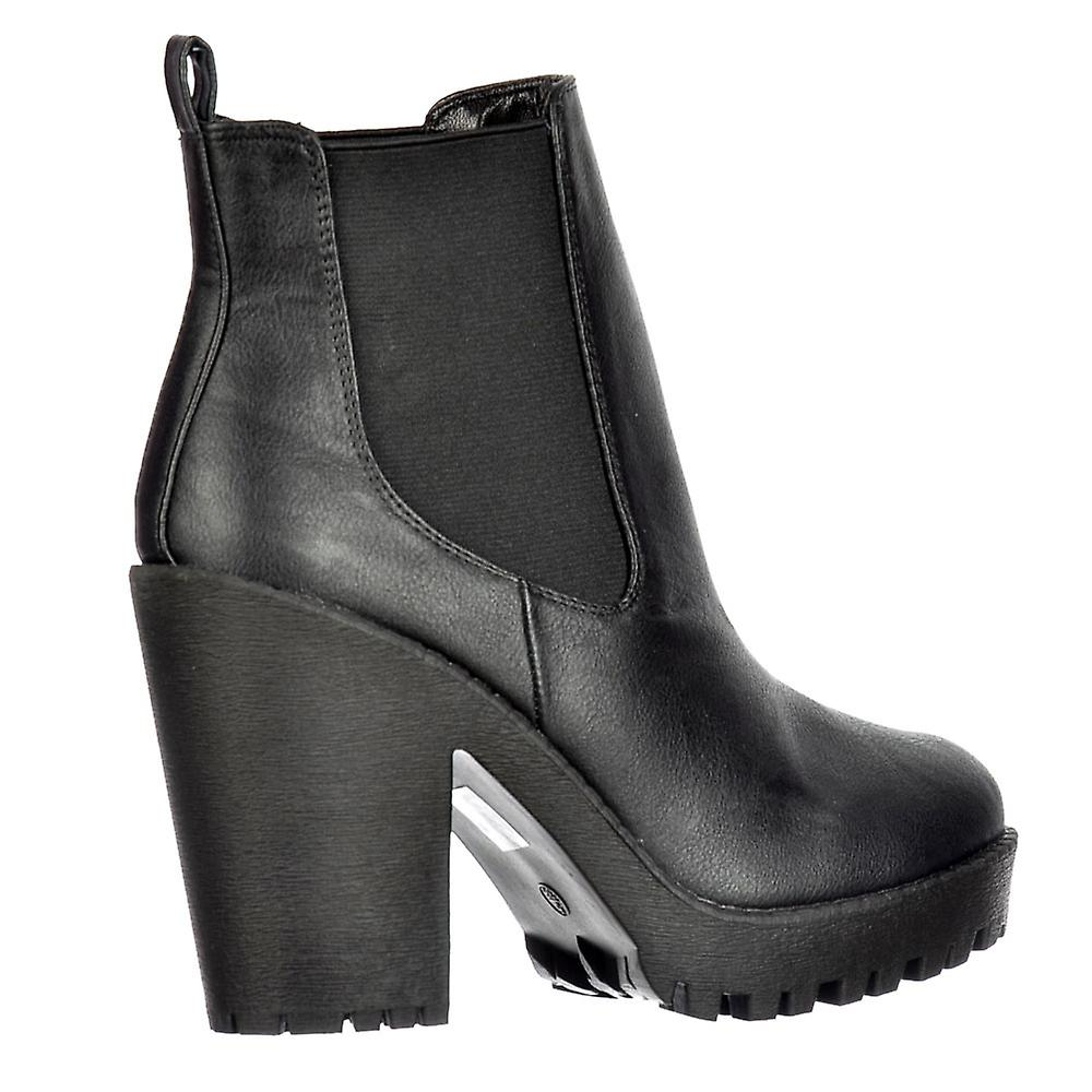 Onlineshoe Rihanna Classic Chelsea Boot - With Heel And Elasticated Sides - Black