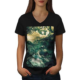 Tree Cozy Merry Women BlackV-Neck T-shirt | Wellcoda