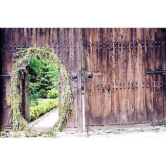 Seinämaalaus vanha puuovi metalliliittimillä