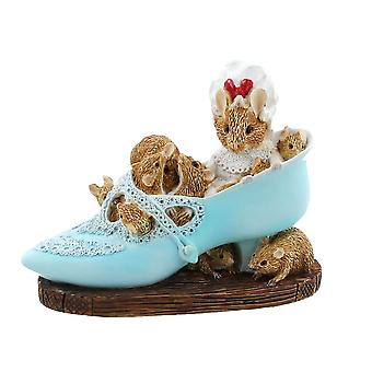 Beatrix Potter Old Woman Who Lived In a Shoe Mini Figurine