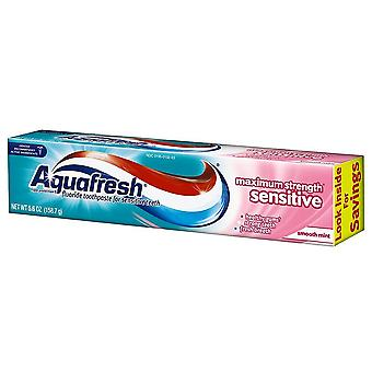 Aquafresh maximum strength sensitive toothpaste, smooth mint, 5.6 oz