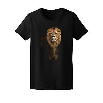 Realistic Lion Graphic Tee Men's -Image by Shutterstock