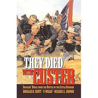 De døde med Custer Soldiers knogler fra slaget ved Little Bighorn af Scott & Douglas D.