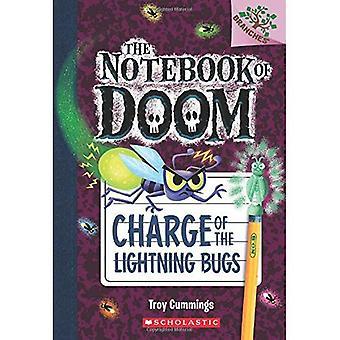 Carica dei Lightning Bug: un libro di rami (il taccuino di Doom #8)