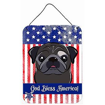 Niech Bóg błogosławi amerykańską flagę z Mops czarne ściany lub drzwi wiszące drukuje