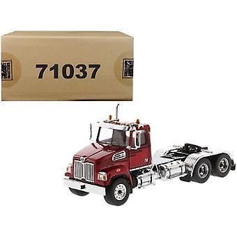 Western Star 4700 SF Tandem Day Cab Tractor Metallic Red 1/50 Diecast Model par Diecast Masters
