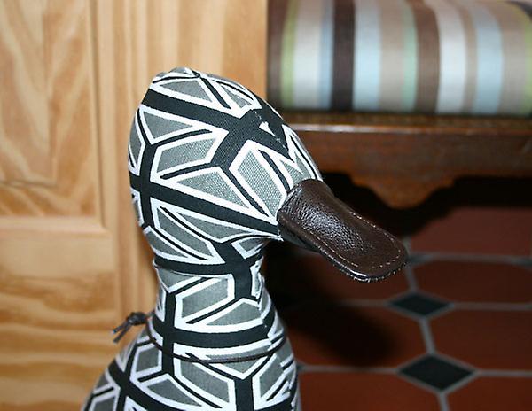 Petit Union Jack Black & White Doorstop Caneton