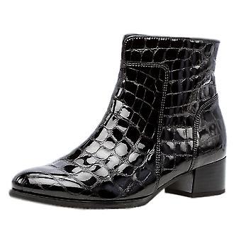 غابور دلفينو أزياء أحذية الكاحل في Croc الأسود