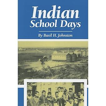 Indian School Days av Basil Johnston - 9780806126104 Bestill