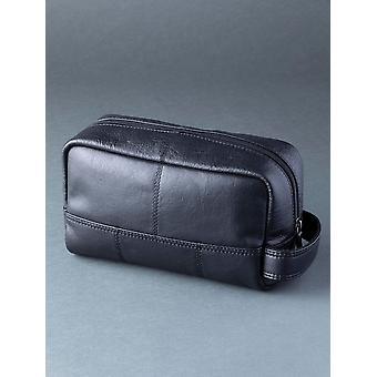 Staveley Leather Wash Bag in Black