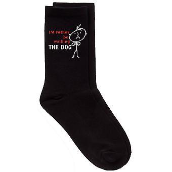 Gli uomini sarebbe piuttosto a piedi il cane nero vitello calzini