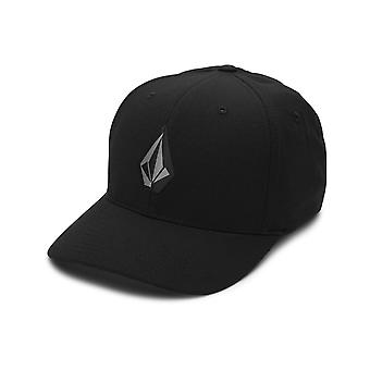 Volcom Stone Tech Xfit Cap in Black