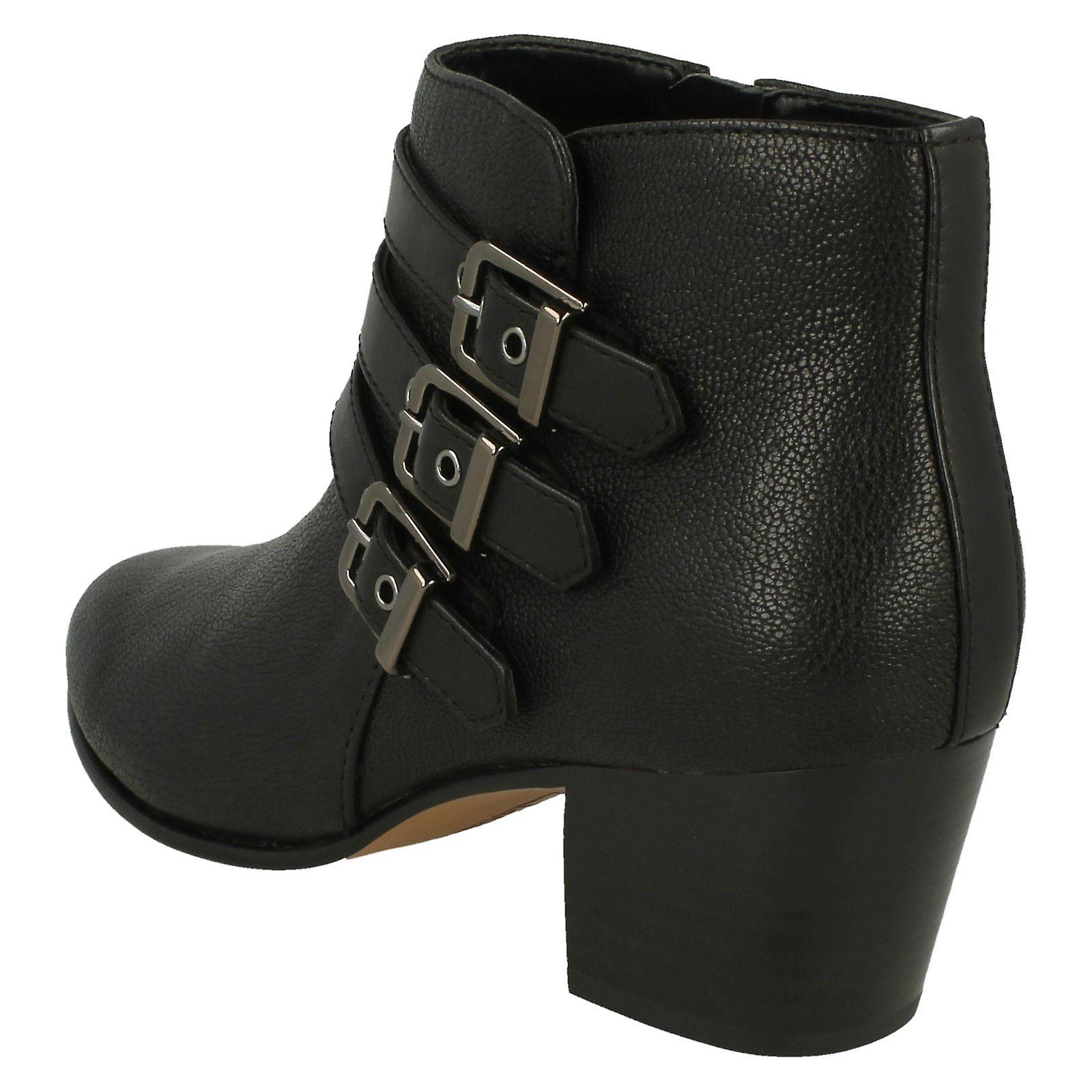 Ladies Clarks Heeled Ankle Boots Maypearl Rayna