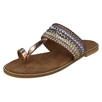 Ladies Leather Collection Metallic Toe Loop Sandals F00273