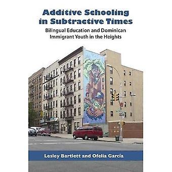 Additive scolarisation à l'époque soustractive: l'éducation bilingue et la jeunesse dominicaine immigrée dans les hauteurs