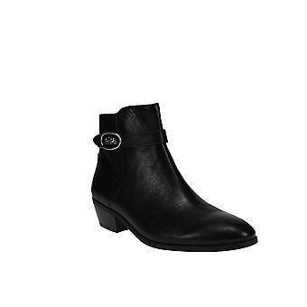 Coach | Dylan Booties