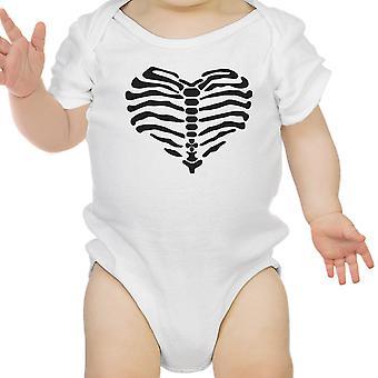 قلب ملامستهما هيكل عظمى طفل لطيف الرسم الأبيض ملامستهما هالوين