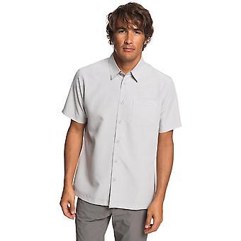Quiksilver Waterman Centinela 4 camisa de manga curta em Flint Gray