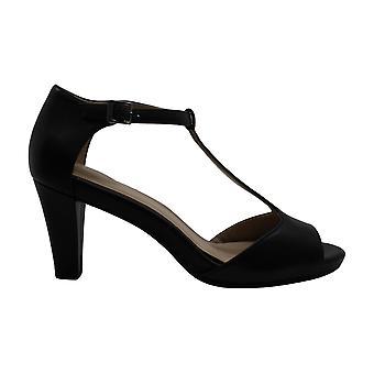 Giani Bernini Women's Shoes claraal Peep Toe Casual Ankle Strap Sandals