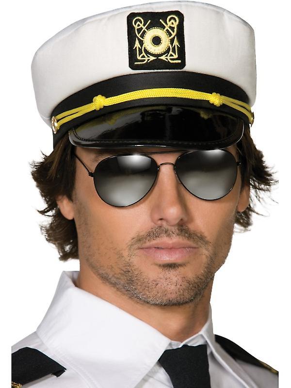 мужчина капитан фото ягод