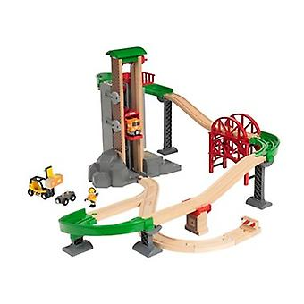 BRIO Lift & Load Warehouse Set 33887 32 Piece Wooden Raiway Set - Great value