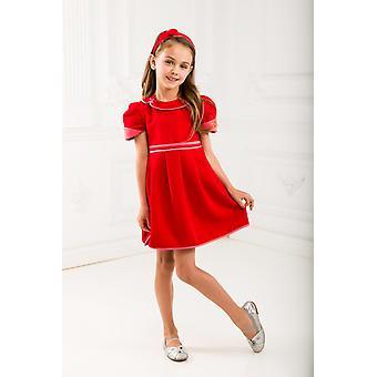 Rød jente kjole