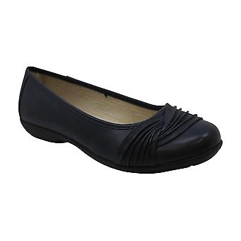 White Mountain Womens Sable Round Toe Ballet Flats