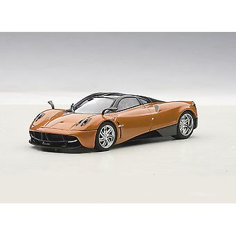 Pagani Huayra (2011) Diecast Model Car