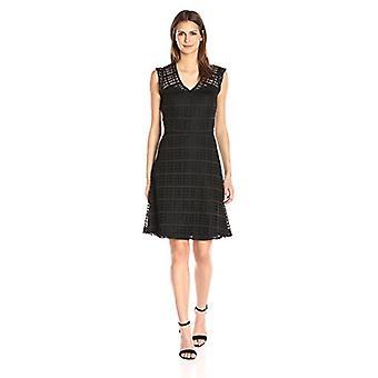 Negen West vrouwen ' s passen & flare gestippelde Lace Dress met front/terug juk, zwart, 16